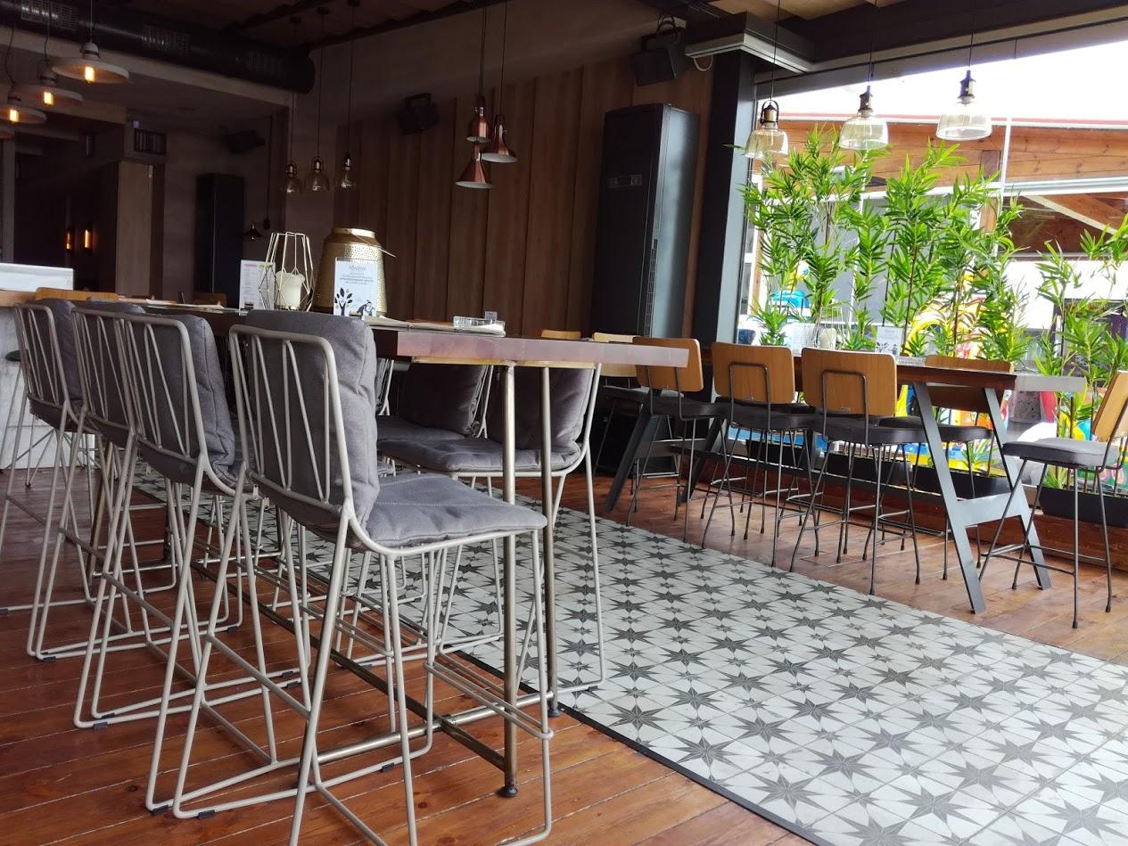 luxe cocktail bar Menta in Griekenland