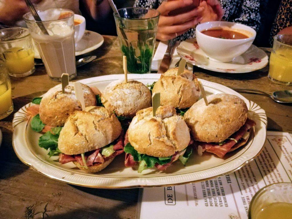 broodjes van de bakkerswinkel in utrecht tijdens de bloggerlunch