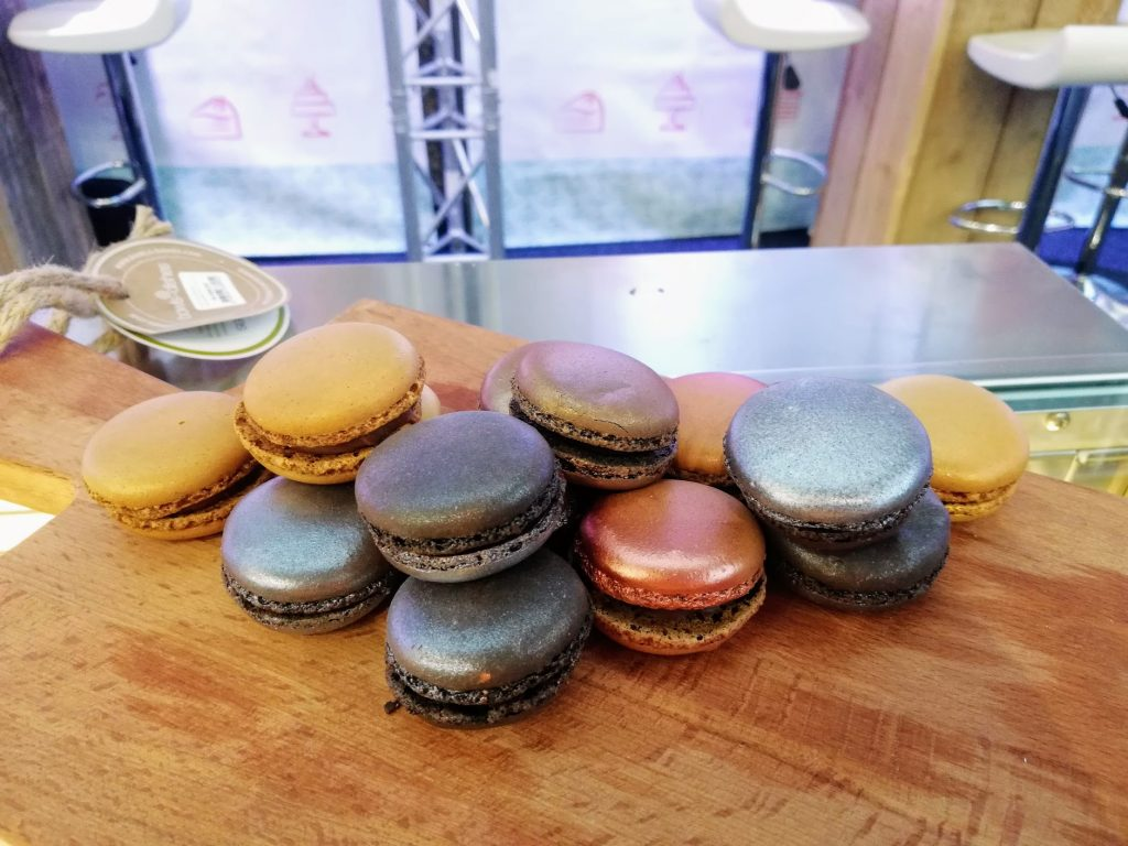 Metallic kleurige Franse macarons op Horecava 2019