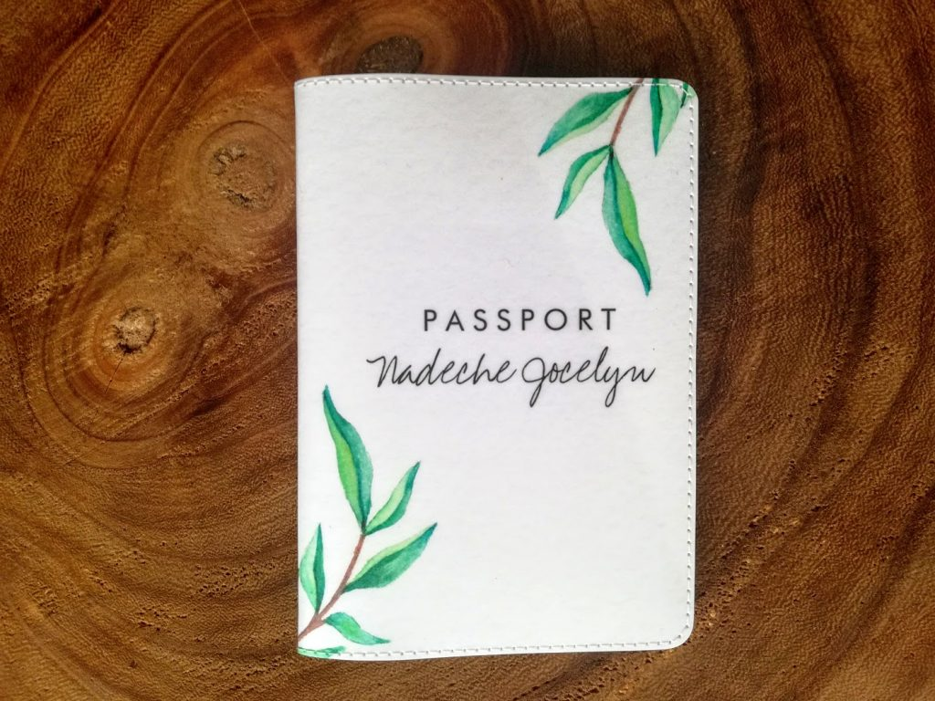 De voorkant van de personalised passport cover van Zazzle